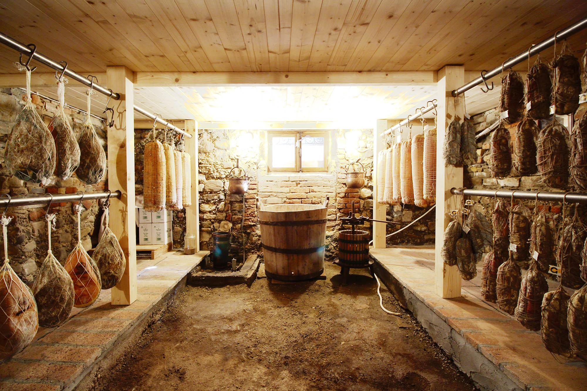 La cucina tipica antica trattoria giovanelli for Piattaia antica